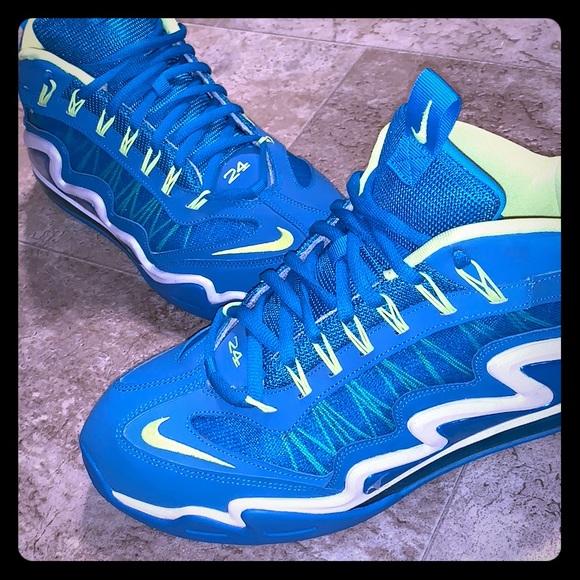 d149f85da9d7b8 Nike Ken Griffey shoes. M 5bb84be534a4ef8088b14e1b